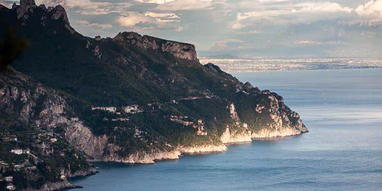 veduta della costiera amalfitana da villa cimbrone a ravello